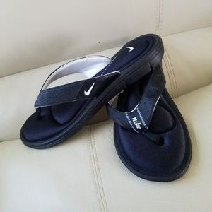 Nike sandals size 10